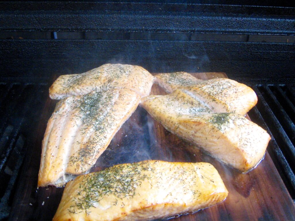 cedar-planked-salmon-on-the-grill